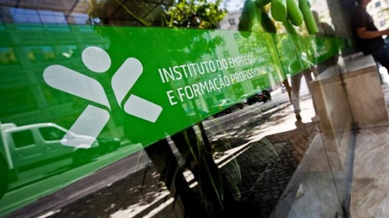 Prorrogação da suspensão da verificação de dívidas para apoios do IEFP Procedimento para desistência do incentivo à normalização da atividade